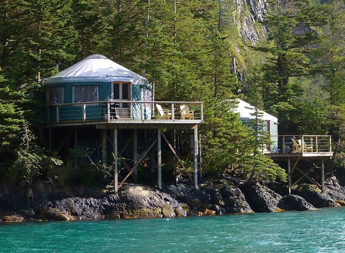 Nightly cabin rentals seward alaska alaska cabins for Alaska cottage